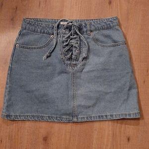 Forever 21 Denim skirt. Women's size 26